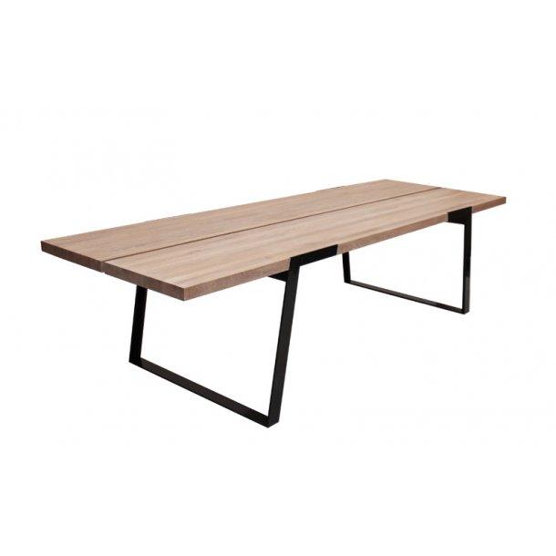 Spisebord olieret vild eg - sort metal - 290 cm