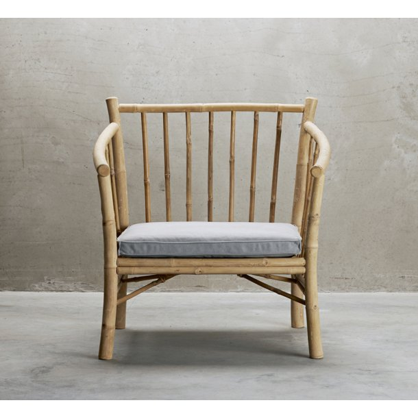 Lounge stol bambus med grå hynde - Tine K.