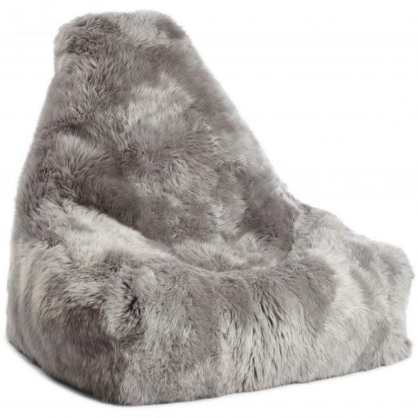 Sækkestol i langhåret New Zealand skind - light grey